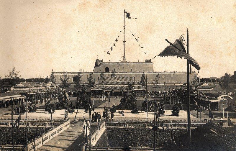 Cổng sau thành