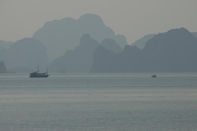 boats-and-islands-2-ha-long-bay-vietnam