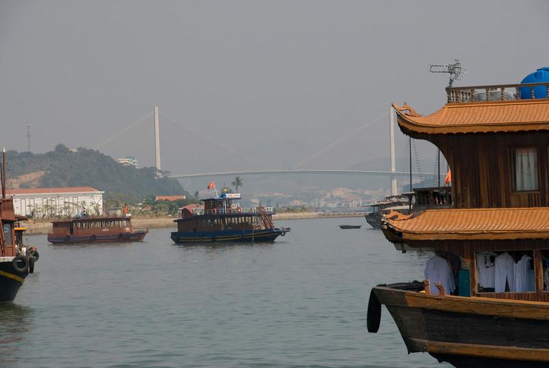 bridge-ha-long-bay-vietnam