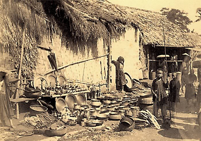 Chợ bán đồ đồng