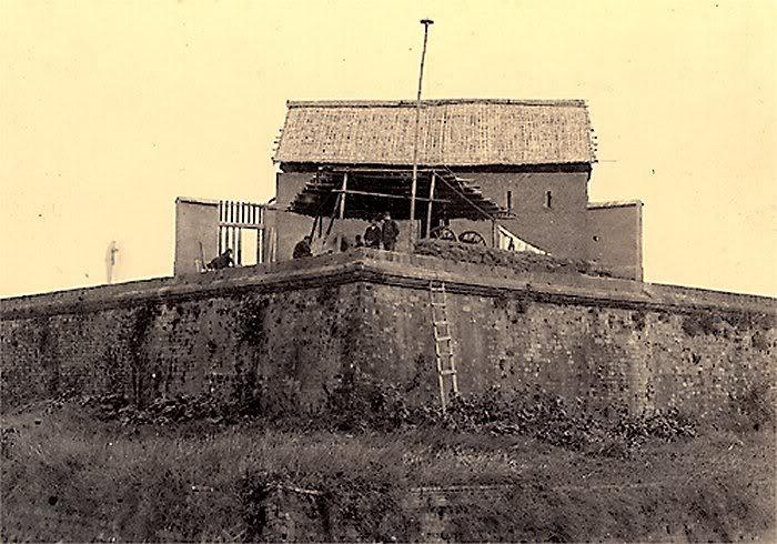 Đồn lính Pháp ở Hồ Tây