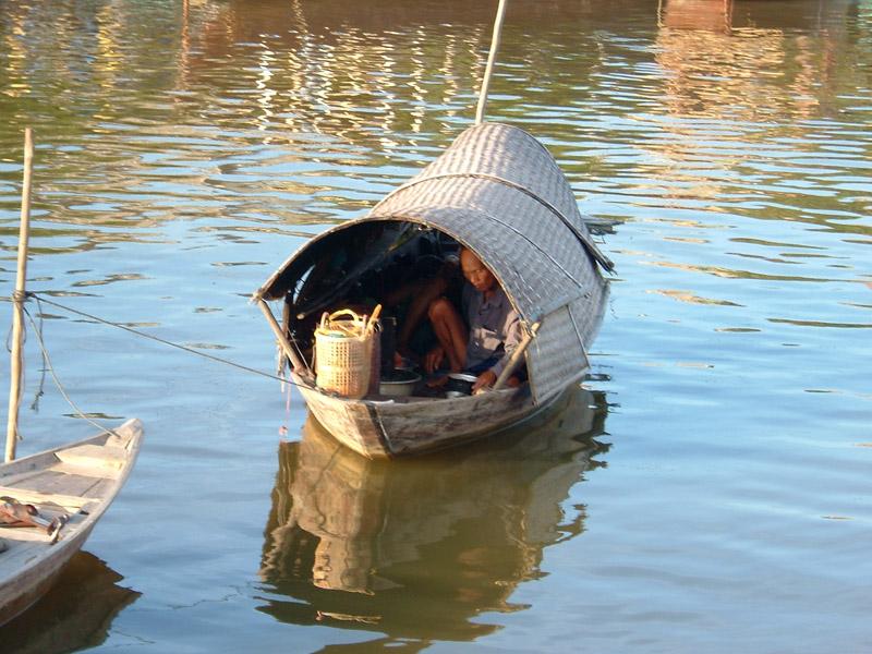 Fisherman in Hoi An