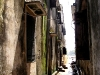 narrow_alley