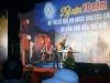 Ông Lê Văn Giảng nhận hoa từ phó chủ tịch tỉnh Quảng Nam