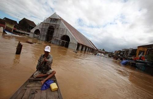 Chợ Hội An cũng đã bị nước lũ nhấm chìm.